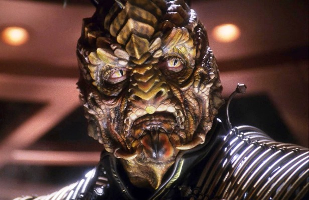 Reptilian Xindi - Shape-shifting Royal (1)