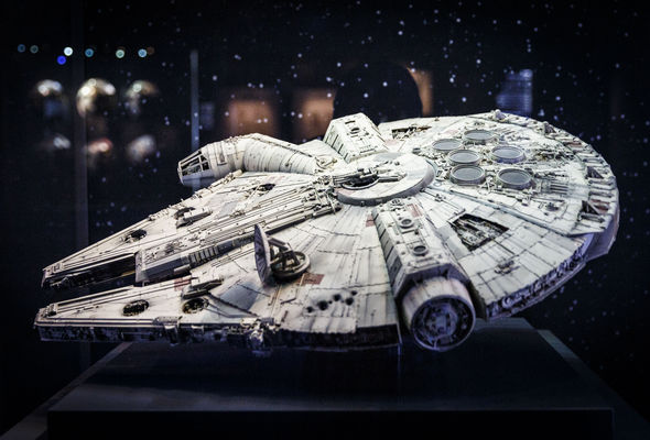 Millenium-Falcon-star-wars